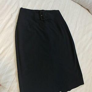 Black cache skirt